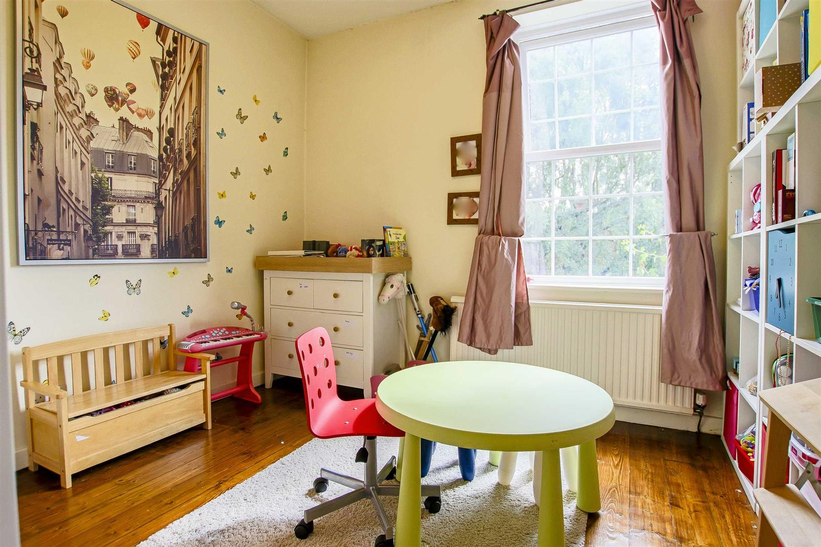 5 Bedroom Terraced House For Sale - Image 7